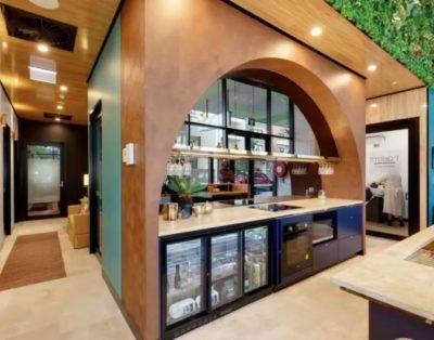 Luxury salon/treatment rooms in freelancer hub Maroochydore